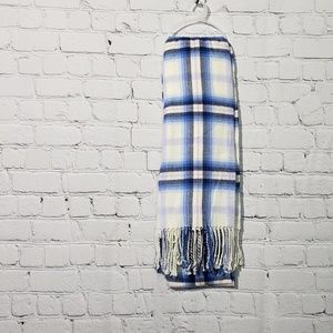 NWT Gap Plaid scarf /wrap  52 inches wide